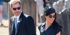 Meghan Markle spends her birthday with Prince Harry at Charlie Van Straubenzee's wedding. The couple showed some adorable PDA as they arrived holding hands.: Meghan Markle and Prince Harry Hold Hands Meghan Markle Prince Harry, Prince Harry And Meghan, Princess Meghan, Meghan Markle Wedding, Princesa Diana, Royal Weddings, Gold Sunglasses, Friend Wedding, British Royals