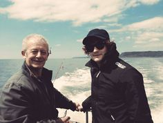 Aneurin Barnard and his dad vía Twitter