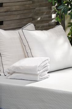For a limited time, save BIG when you bundle! Get 15% off when you buy a Denver Mattress Value Line mattress with a 3 piece Sleep Essentials Package (includes 2 pillows and 1 mattress pad). Ends 8/6/20. #denvermattress #sleep #mattress #mattresssale Queen Mattress, Mattress Pad, Platinum Credit Card, Back To School Sales, Sleep Better, Mattress Protector, Queen Size, Denver, 3 Piece
