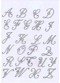 monogrammes à broder gratuits - Recherche Google