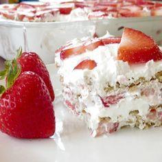 Raspberry Pretzel Salad is a delicious side dish that tastes like a dessert! Raspberry Pretzel Salad, Strawberry Icebox Cake, Strawberry Recipes, Icebox Cake Recipes, Cookie Recipes, Dessert Recipes, Just Desserts, Delicious Desserts, Yummy Food