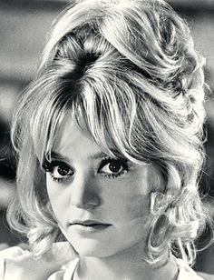 Goldie Hawn - wow what a look!