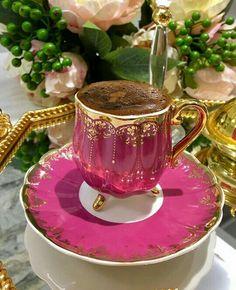 Artisan Chocolate, Chocolate Coffee, Coffee Club, Coffee Love, Pink Coffee Cups, Tea Cups, Turkish Coffee Set, Tea Blog, Tea Cup Saucer