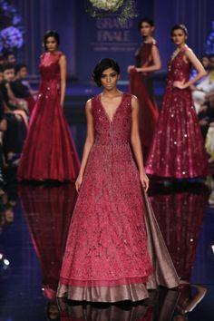 Indian wedding outfit Manish Malhotra 2014 4