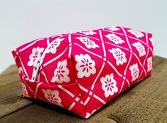 Makeup Bags, Brush Rolls, Blankets, and Southern Gifts by SouthernerSurcees Pink Makeup Bag, Small Makeup Bag, Red Makeup, Moms Best Friend, Best Friend Gifts, Perfect Gift For Her, Gifts For Her, Tote Bags For College, Personalized Makeup Bags