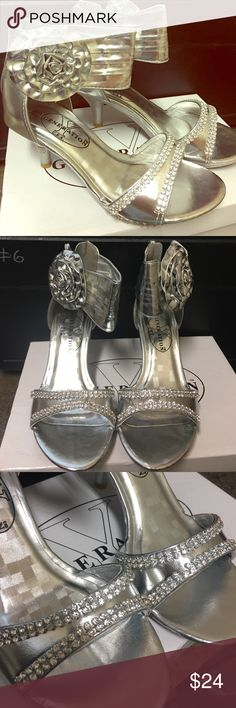 Girls Party High Heels Dress Rhinestone Bling 13 New! Fancy girls high heels with lots of style and bling! One small area silver came off. Check out my other items. Great for a pageant!! generation y Shoes Dress Shoes