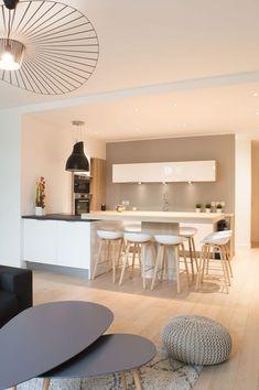 fabulous interior design for small kitchen 55 < Home Design Ideas Kitchen Interior, Home Interior Design, Kitchen Decor, Kitchen Ideas, Küchen Design, House Design, Design Ideas, Word Design, Deco Design