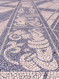 Calçada à portuguesa  José gaspar  Estremadura, Portugal     http://portugalmelhordestino.pt/fotos_resize/9029bca2628b8ed7f181f931a03a9973.jpg
