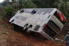 Um acidente ocorrido nas primeiras horas da manhã deste domingo (13) na BR-364, entre os municíp...