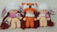 Фото: 54 Что может быть более милым, чем забавные игрушки, связанные своими руками? Эти забавные мишки, зайки, мышки, куклы, пони, коты связаны крючком своими руками. И каждый раз удивляешься, какая же красота выходит из-под умелых рук. И еще статьи, в которых вы найдете мастер-классы и описания вязаных игрушек: Вяжем игрушку-черепашку крючком Елочные игрушки крючком Вязаный …