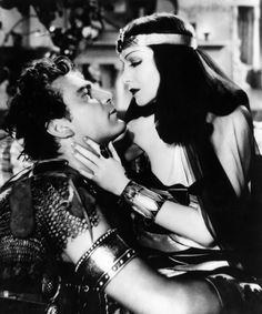 Cleopatra directed by Cecil B. Starring Claudette Colbert sas Cleopatra, Warren William as Julius Caesar, and Henry Wilcoxon as Mark Antony. Old Hollywood Movies, Old Hollywood Glamour, Golden Age Of Hollywood, Vintage Hollywood, Classic Hollywood, Hollywood Vanity, Cleopatra Halloween, Cleopatra Costume, Alexander The Great Death