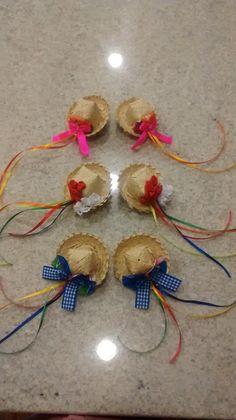 Presilha com decoração junina.  Valor do par