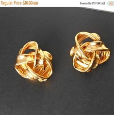 Vintage Erwin Pearl Earrings KNOT Gold Tone Clip on back Postal Sale Vintage Brooches, Vintage Earrings, Vintage Jewelry, Pearl Earrings, Knots, Cufflinks, Buy And Sell, Bracelets, Gold