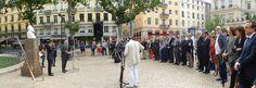 (9) Parcours de la Flamme de Jaurès 9ème étape - 5 juillet 2014 -  La Flamme de Jaurès accueillie à Saint-Etienne / Discours de Gérard Lindeperg Vice-président de la Fondation Jean-Jaurès devant la Flamme et le buste de Jaurès. https://www.facebook.com/media/set/?set=a.1508506796049138.1073741843.1429147543985064&type=3 (photo : © M. Kouklia pour la Fondation Jean-Jaurès)