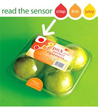 Britain's supermarket shoppers are to get colour-coded sensor labels which will tell them when their favourite fruit is perfect to eat. Work In New Zealand, Innovation, Smart Packaging, Eat Fruit, Do You Like It, Time To Eat, Crisp, Light Style, Traffic Light