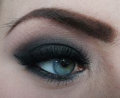 'Black Night' by Lilles89 using Makeup Geek's Corrupt, Mocha, White Lies, Barcelona Beach, and In The Spotlight eyeshadows and foiled eyeshadow along with Immortal gel liner and Sweet Dreams pigment.