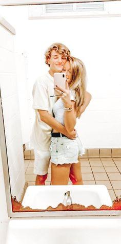 Cute Couple Pictures, Cute Photos, Couple Pics, Relationship Goals Pictures, Cute Relationships, Cute Couples Goals, Couple Goals, Guy Best Friend, Bae Goals
