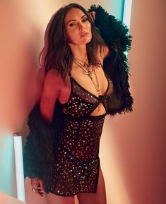 Megan Fox Strips Down for Latest Frederick's of Hollywood Lingerie Shoot - Maxim Megan Fox Fotos, Megan Denise Fox, Frederick's Of Hollywood, Megan Fox Bikini, Nikki Reed, Bella Thorne, Julia Roberts, Cara Delevingne, Lingerie Shoot