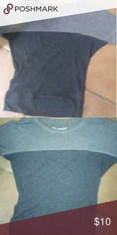 Aeropostale two tone grey shirt Aeropostale two tone gray shirt new without tags size XS Aeropostale Tops Tees - Short Sleeve
