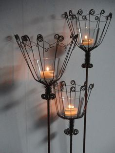 This would look cool with insulators in the middle. Metal Garden Art, Metal Art, Wire Crafts, Metal Crafts, Wire Board, Wire Art Sculpture, Shabby Chic Crafts, Wire Weaving, Wire Jewelry