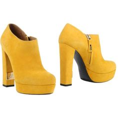 R&renzi Shoe Boots ($325) ❤ liked on Polyvore featuring shoes, boots, ankle booties, yellow, yellow boots, leather zip boots, zipper booties, zippered ankle booties and yellow leather boots