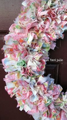 I used to make these with my mom! Would be so cute for a baby shower... could do with nursery colors too and can hang on the baby's door! :)