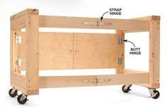ポピュラーな材料のみでDIYができ、コンパクトに収納できることが魅力的ですね!via :http://www.popularwoodworking.com/projects/aw-extra-4512-folding-table-base