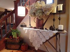 simple, love the old ironing board used as a table. I like the items on the ironing board table. Antique Ironing Boards, Wood Ironing Boards, Prim Decor, Country Decor, Farmhouse Decor, Primitive Decor, Ironing Board Tables, Iron Board, Do It Yourself Home