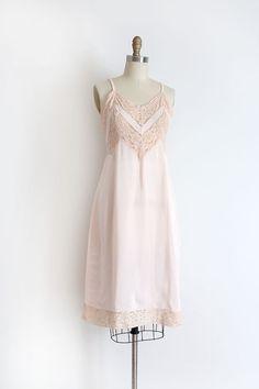 af36a634f3a4a0 Vintage 1940s slip    40s pink slip with lace