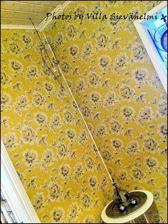 Villa Sievähelmi: Keväisen keltainen köyhäily mummolan aula :D