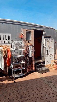 Boutique Interior, Clothing Store Interior, Boutique Decor, Mobile Boutique, Mobile Shop, Boutique Design, Boutique Shop, Clothing Booth Display, Mobile Fashion Truck