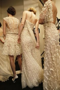 Ellie Saab - material, colour and style of first dress #topshoppromqueen