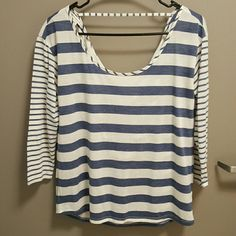 American Eagle Top This open-back top is great for summer with its light fabric and quarter sleeve length American Eagle Outfitters Tops Tees - Long Sleeve