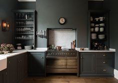 gray ktichen in victorian london home / sfgirlbybay