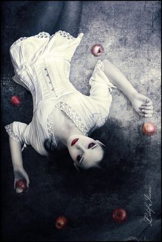 1. story telling.Snow White and the Red Apples. Fantasy/Fairytale Photography.