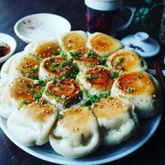 Discover recipes, home ideas, style inspiration and other ideas to try. Plat Simple, Good Food, Yummy Food, Cafe Food, Asian Cooking, Food Blogs, Food Design, No Cook Meals, Asian Recipes