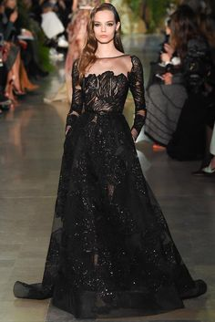Elie Saab Spring 2015 Couture Fashion Show Collection: See the complete Elie Saab Spring 2015 Couture collection. Look 53 Haute Couture Paris, Elie Saab Couture, Couture 2015, Spring Couture, Couture Week, Style Couture, Couture Fashion, Runway Fashion, Fashion Show