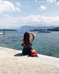 CHLOE.ROXANE - Instagram : Travel. Discover Switzerland and visit Lucerne. Switzerland is a beautiful country and Lucerne with its lake and lovely old town is always worth a visit. Lucerne Switzerland, Visit Switzerland, Instagram Travel, Old Town, Chloe, Country, Places, Beautiful, Old City