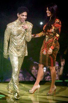 Prince & KIM K. Stupid bitch can't even dance with Prince! Ugh