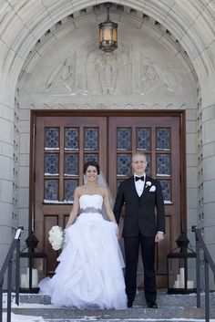 L'atelier Couture bride Katherine in Vera Wang Diana