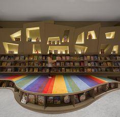Rainbow bibliothèque par Arthur Casas Designs - Blog Esprit Design