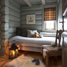 3,576 отметок «Нравится», 54 комментариев — VAKRE HJEM & INTERIØR (@vakrehjemoginterior) в Instagram: «Er du så heldig å ha vinterferie skal du kanskje finne sengen på hytta senere i kveld! Vi er ikke…»