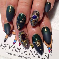 The Libanati nail by Hey Nice Nails - love the dark green to matte black gradient