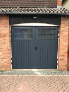 Bespoke wooden garage doors & timber garage doors in Poole, Dorset ...