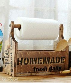 New DIY Farmhouse Wooden Tote with Vintage Sign Stencils by Farmhouse Bread Board Wooden Kitchen Tote with Paper Towel Holder - Primitive Bathrooms, Primitive Kitchen, Country Bathrooms, Wooden Diy, Wooden Boxes, Wooden Crates, Do It Yourself Organization, Sign Stencils, Diy Signs