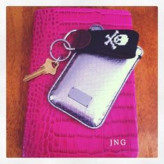 love so much about this...especially key fob!