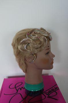 Haarteil für kurze Haare in Deiner Haarfarbe Hairstyles, Crown, Jewelry, Fashion, Short Hair Up, Hair Colors, Haircuts, Moda, Hairdos