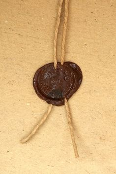 (For sealing spells) Make a wax seal using a crayon in a glue gun.Yes, you will need a new glue gun when you're done. Glue Gun Crafts, Crayon Crafts, Sea Crafts, Plate Crafts, Diy Candles With Crayons, Sealing Wax Sticks, Stationery Store, Crayon Art, Melting Crayons