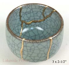Kintsugi Art Examples | Pottery Repair Using Gold Joinetry