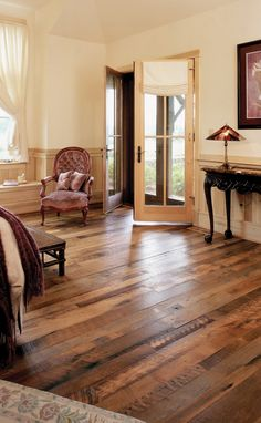 Plancher Reclaimed Barn Wood Flooring We are doing something similar in our new house - I absolutely love the look of it! Distressed Wood Floors, Rustic Floors, Deco Design, Cafe Design, Design Design, Bakery Design, Floor Design, Design Trends, Design Ideas